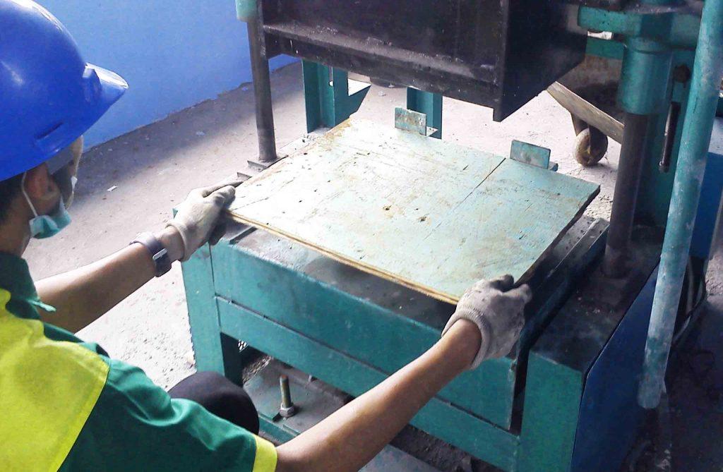 multihanna kreasindo pengolah limbah b3 batako